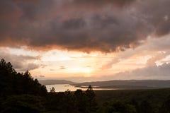 Arenal αντανάκλαση λιμνών ο ήλιος Στοκ Φωτογραφίες