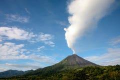Arenal-Vulkan in Costa Rica stockfotos