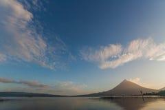 Arenal w ranku świetle Zdjęcie Stock