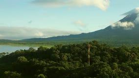 Arenal wulkan Arenal i jezioro zbiory wideo