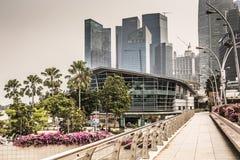 ARENAS DE LA BAHÍA DEL PUERTO DEPORTIVO, SINGAPUR 5 DE NOVIEMBRE DE 2015: Horizonte de Singap Foto de archivo