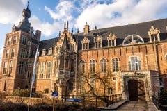 Arenbergkasteel, een de 14de eeuwkasteel door Lords van Heverlee, in Vlaanderen, België wordt gebouwd dat stock foto