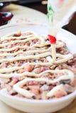 Arenques de la ensalada tradicional rusa 'debajo del abrigo de pieles Fotos de archivo