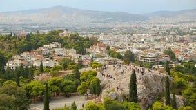 Areopagus小山惊人的空中射击在雅典,旅游城市美丽的景色  股票视频