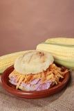 Arepa van de ham en van de cheddar stock afbeeldingen