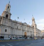 Arequipa domkyrka och Plaza de Armas, Peru Royaltyfri Fotografi