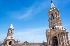 Arequipa-Kathedralen-Helme Lizenzfreie Stockbilder