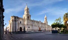 Arequipa sikt av domkyrkan, sydliga Peru Arkivfoton