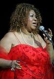 Aretha Franklin utför i konsert arkivbilder
