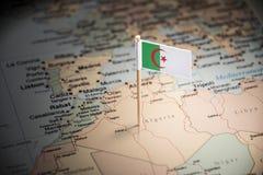 Argélia identificou por meio de uma bandeira no mapa imagem de stock royalty free