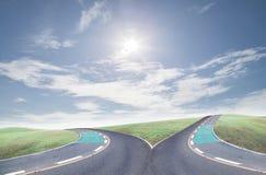 Arga vägar för framgång på bakgrund för blå himmel royaltyfri foto