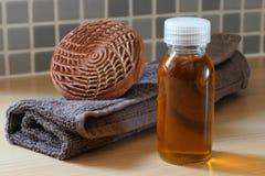 Argan van het KUUROORD olie met handdoek Stock Foto's