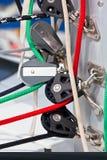 Argani e corde, dettagli dell'yacht Fotografie Stock