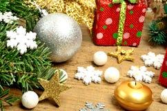 argb εστίαση πεδίων βάθους διακοσμήσεων Χριστουγέννων μπιχλιμπιδιών ρηχή Στοκ εικόνα με δικαίωμα ελεύθερης χρήσης