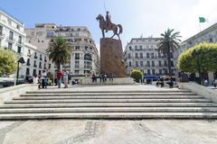 ARGEL, ARGÉLIA - 24 DE SETEMBRO DE 2016: O monumento Emir Abdelkader ou Abdelkader El Djezairi era argelino pasto religioso e mil Imagens de Stock Royalty Free