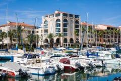 ARGELES苏尔梅尔,法国- 2016年7月9日:住所梅尔和高尔夫球口岸Argeles在Argeles苏尔梅尔海滩区域持续比利牛斯或 免版税图库摄影
