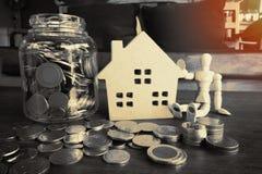 Argent à la maison d'économie pour l'investissement Images stock