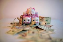 Argent, économie et bonheur Photos libres de droits