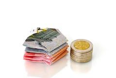 Argent élégant d'euro billets de banque et pièces de monnaie Photographie stock