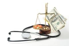 Argent comptant pour la médecine nécessaire Photo stock