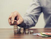Argent d'économie et opérations bancaires de compte pour le concept d'affaires de finances photo libre de droits