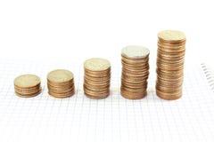 Argent ou graphique ou argent de pièce de monnaie s'élevant ou enregistrant le concept sur le fond blanc Image libre de droits