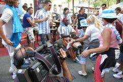 Argentijnse Voetbalventilators bij de de Voetbalwereldbeker van 2006 in Breitscheidplatz in Berlijn op 29 Juni, 2006 één dag vóór Stock Afbeeldingen