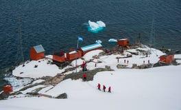 Argentinien-Wissenschaftsstation in Antarktik Stockfotos