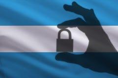 Argentyńczyk zamykający kędziorek w ręce Import i eksport towary od rynku światowego handel zabraniamy fotografia royalty free