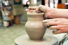 Argila de modelagem Potenciômetro Handmade Produtos vidreiros pintados fotografia de stock