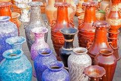 A argila fez os vasos de flor, artigos do artesanato na exposição, Kolkata Fotografia de Stock