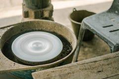 Argilla che rende a macchina gli strumenti dell'artigianato fotografia stock