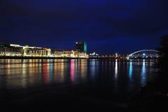 Argine alla notte Fotografie Stock Libere da Diritti