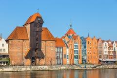 Argine del fiume di Motlawa nella parte storica di Danzica, Polonia fotografia stock libera da diritti