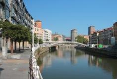 Argine del fiume di Nervion (Muelle de Martzana) Bilbao, Spagna Fotografie Stock Libere da Diritti