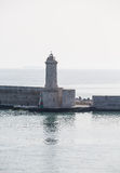Argine di pietra nel Mediterraneo Fotografia Stock Libera da Diritti
