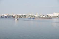 argo莫斯科端口河 免版税库存照片