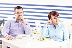Argument dans un restaurant photos stock