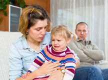 argumentera gravid kvinna för conflictfamiljman Royaltyfri Foto