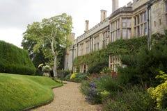 Argumentos y jardines del castillo Fotografía de archivo libre de regalías