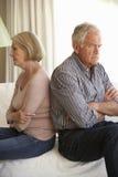argumentpar som har den home pensionären royaltyfri bild