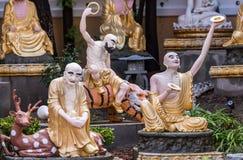 Arhat landskap i trädgården på hans Lai Buddhist Temple, Kalifornien royaltyfri foto