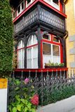 Arhitectural szczegół w Bischofshofen miasteczku w jesień dniu zdjęcie stock