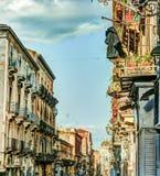 Arhitecture de Catania - opinión de la calle de Catania Imagen de archivo libre de regalías