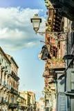 Arhitecture de Catania - opinión de la calle de Catania Foto de archivo