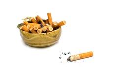 Arhtray με το σύνολο των τσιγάρων Στοκ Εικόνα