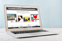 Aria all'inizio del 2014 di Apple MacBook Immagine Stock