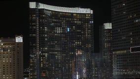 Aria Hotel Las Vegas por noche - los E.E.U.U. 2017 almacen de metraje de vídeo