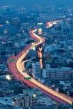 Arial视图城市高速公路长的曝光在期间 免版税库存图片