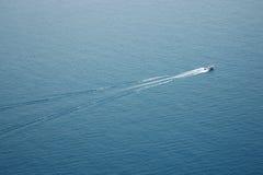arial вода взгляда быстроходного катера Стоковая Фотография
